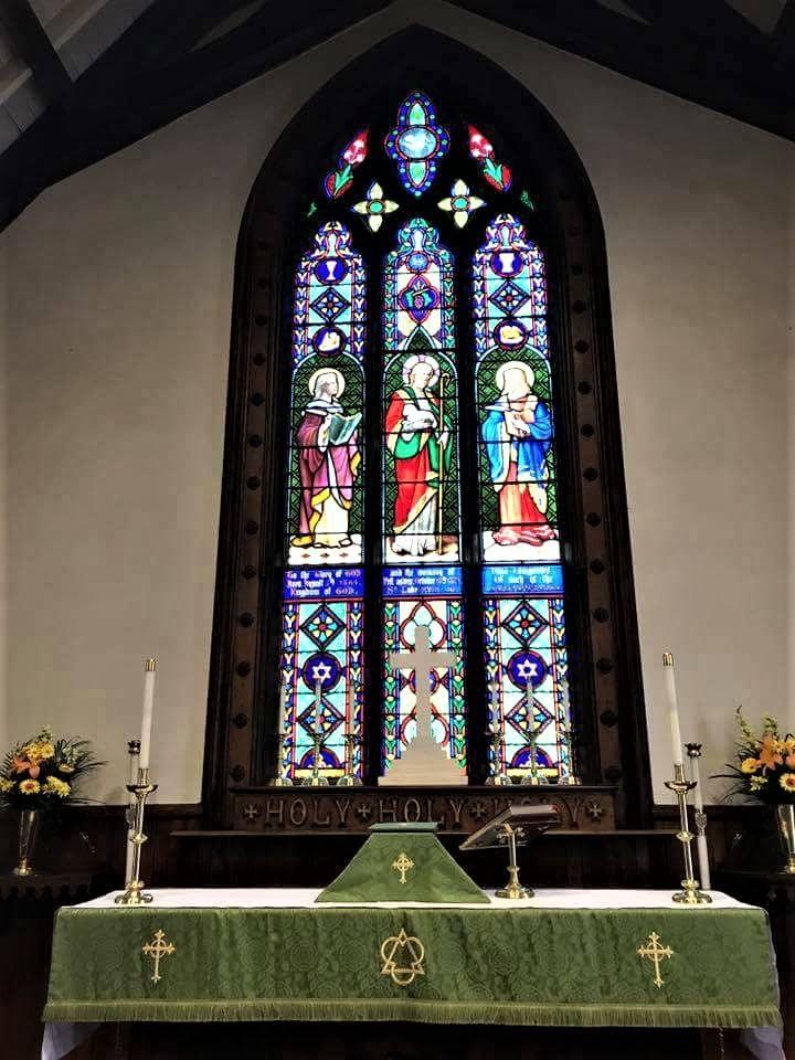 St Lukes Altar